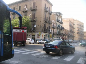 Palermo無秩序交差点
